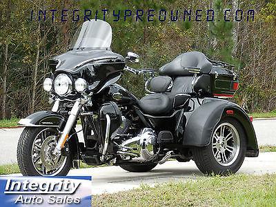 Harley-Davidson : Touring 2012 harley davidson flhtcutg tri glide flawess bike