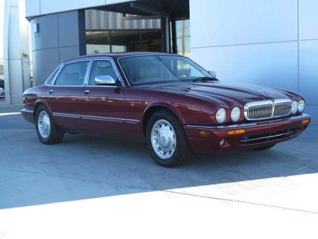 Jaguar : XJ 4dr Sdn Vand 4 dr sdn vand 4.0 l roof power sunroof roof sun moon seat heated driver