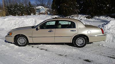 Lincoln : Town Car Cartier 2001 lincoln town car cartier edition