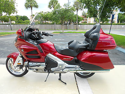 2013 HONDA GOLDWING GL1800//A MOTORCYCLE OWNERS MANUAL GL 1800 GOLD WING