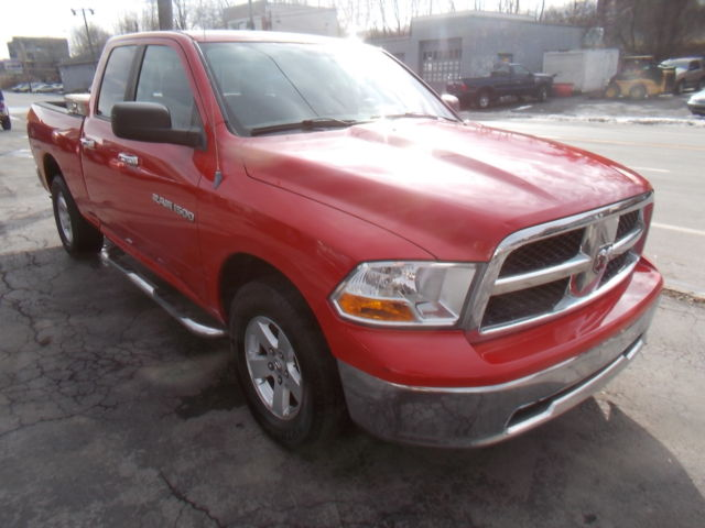 Ram : 1500 4WD Quad Cab 2011 dodge ram 4 x 4 slt crew cab towing package clean carfax one owner