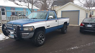 Dodge : Ram 2500 Laramie 1997 dodge cummins 5 speed 4 x 4