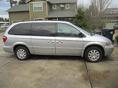 Chrysler : Town & Country Touring CHRYSLER TOWN & COUNTRY TOURING 67K MILES LUXURY EDITION LEATHER GARAGED MINT