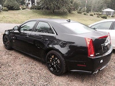 Cadillac : CTS V 2013 cadillac cts v sedan 4 door 6.2 l only 6000 miles warranty included
