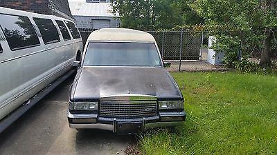 Cadillac : Fleetwood 89 cadillac hearse