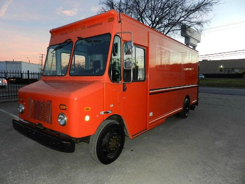 2006 Workhorse 15ft Cargo Delivery Step Van
