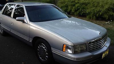 Cadillac : DeVille Sedan 4-Door 1997 cadillac sedan deville 4 door 4.6 l