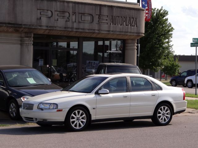 Volvo: S80 T6 A SR 4dr 2002 volvo s 80 t 6 local trade expensive looking bargain priced good condition