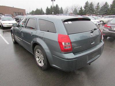 Dodge : Magnum 4dr Wagon R/T RWD 4 dr wagon r t rwd automatic gasoline 5.7 l 8 cyl gray