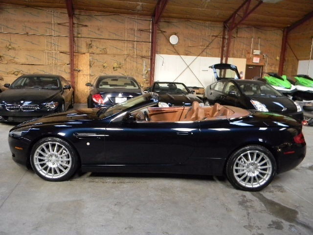Aston Martin : DB9 Volante 6 speed manual db 9 volante service records stamps best colors impecable only 13 k