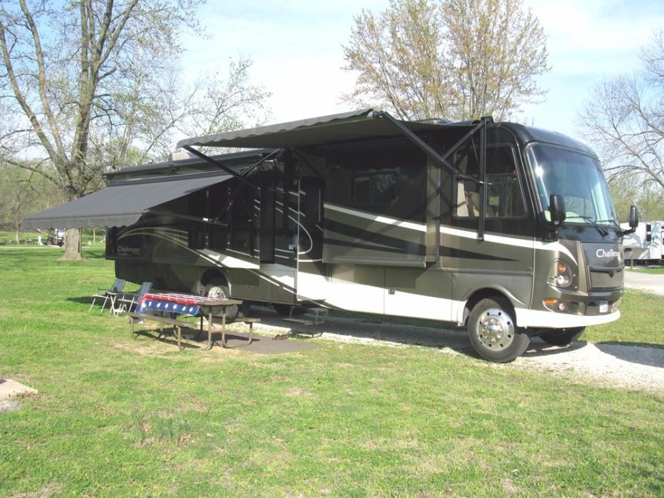 2009 Damon Challenger 371