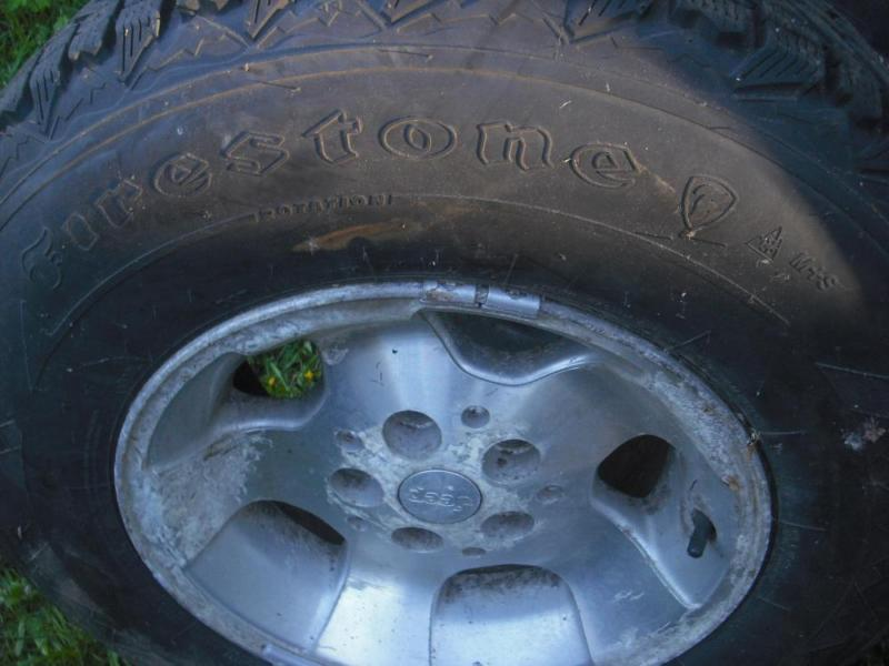Firestone Winterforce Studded Snow Tires & Rims 235/75R15