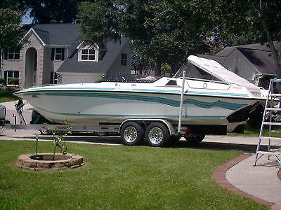 Fountain Power Boat