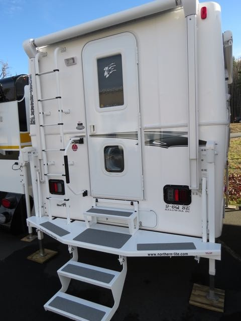 2005 Northern Lite Northern Series 10-2qrr