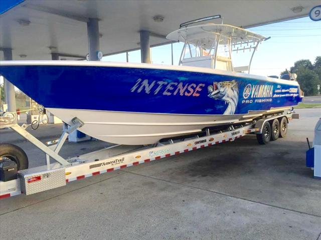 2015 Contender Offshore Center Console 39 ST