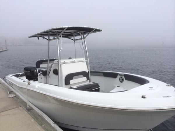 2016 Clearwater 2200 WI Center Console