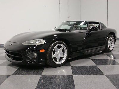Dodge : Viper BLACK-ON-BLACK BEASTMODE, 45K ORIGINAL MILES, STOUT ALUMINUM V10, 6-SPEED, A/C!!