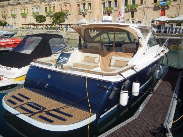 2015 Tiara 3100 Coronet