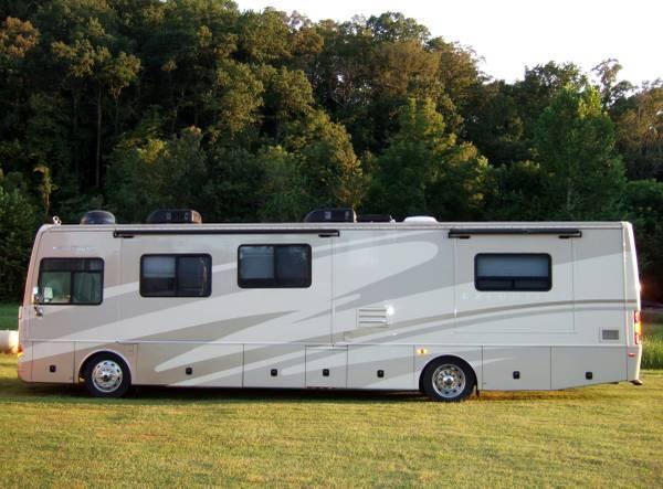 2006 Fleetwood Excursion For Sale in Bentonville, Arkansas 72712