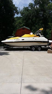 2000 Chaparral 233 Sunset with Swim Deck