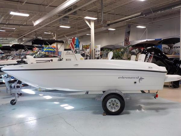 2016 Bayliner F18 Element