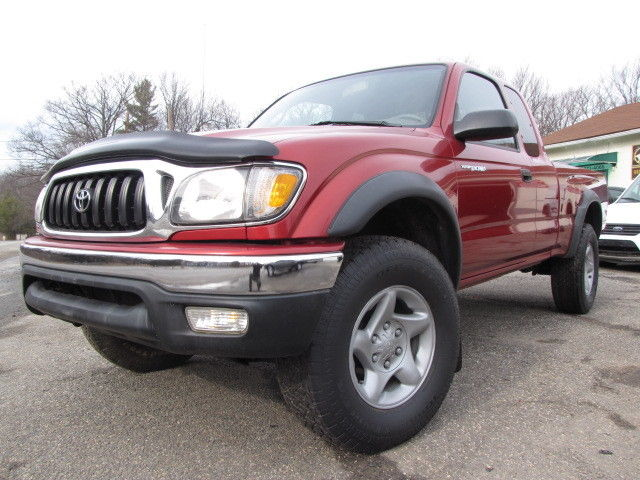 Toyota: Tacoma XtraCab V6 M 03 toyota tacoma 4 wd sr 5 low 61 k ml excellent condition serviced inspected