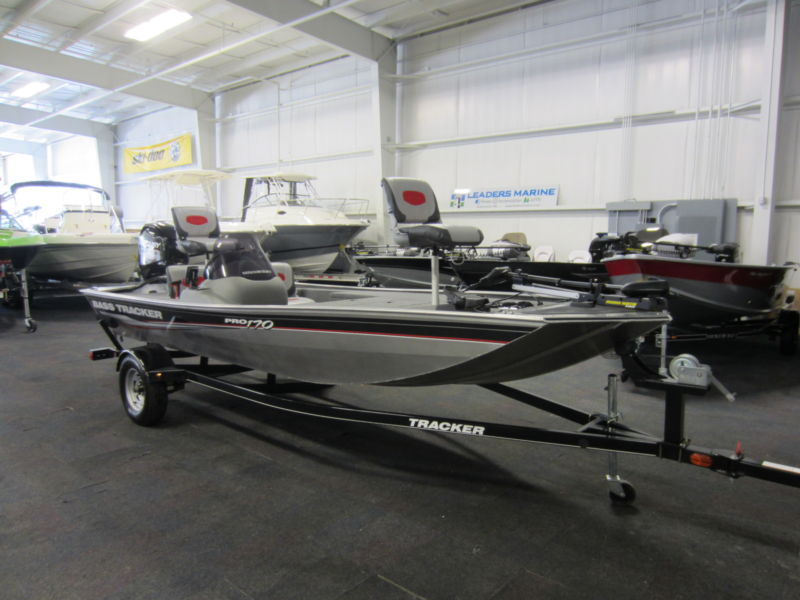 2015 Tracker 170 Pro With Jet Outboard and Only 8 Engine Hours!