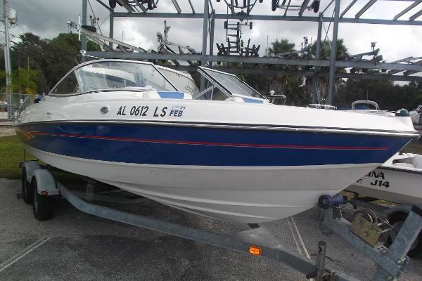 2007 Bayliner 225 Capri w V8 Power!