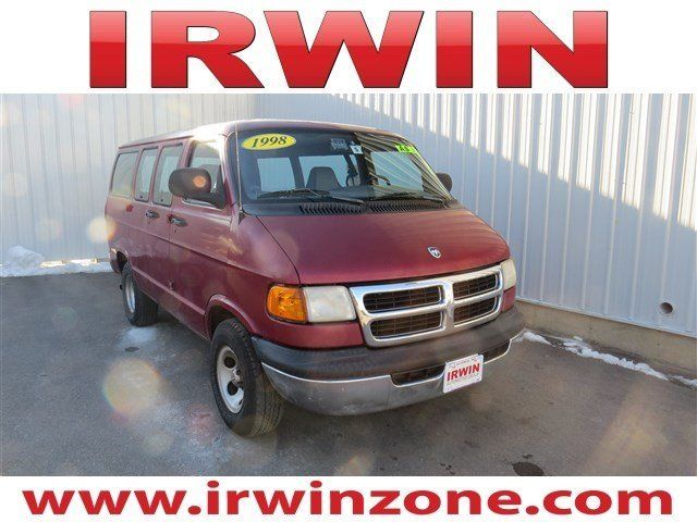 1998 Dodge Ram Wagon Full