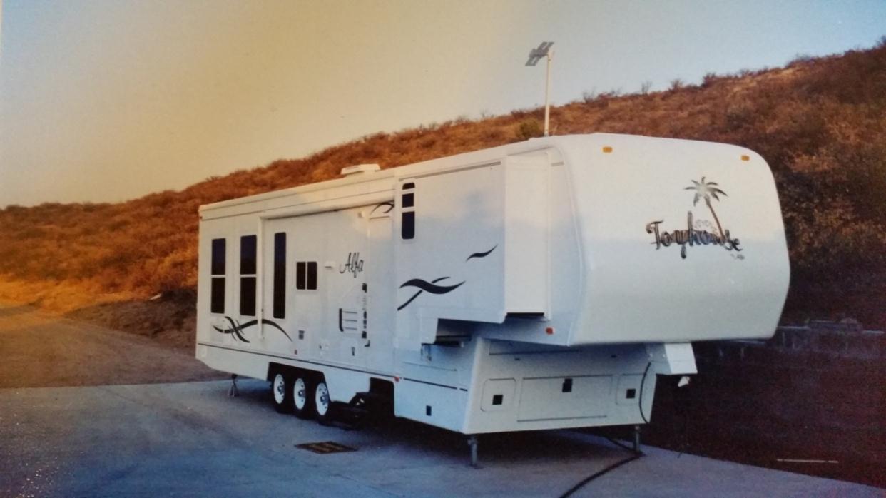 2001 Alfa Toyhouse THF39SCW