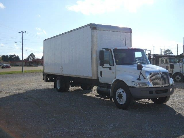 2005 International 4300 Sba