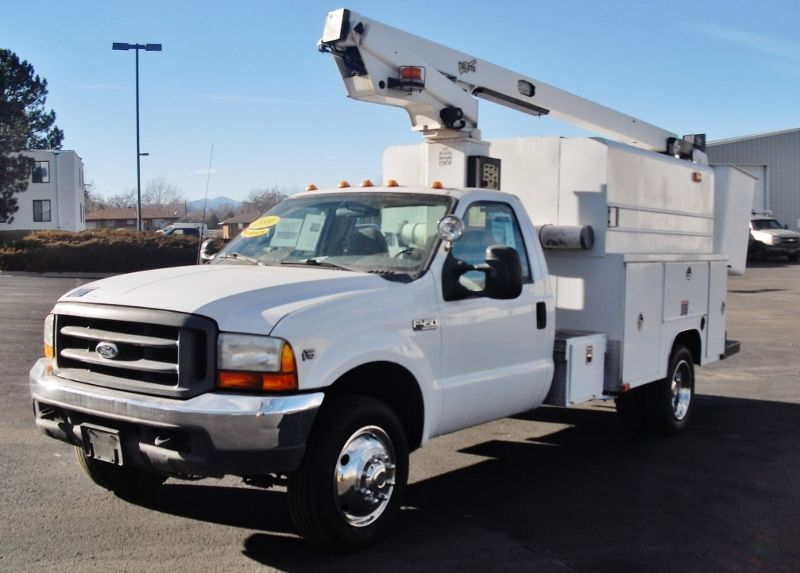 1999 Ford F450 Super Duty 33' Enclosed Telescopic HY