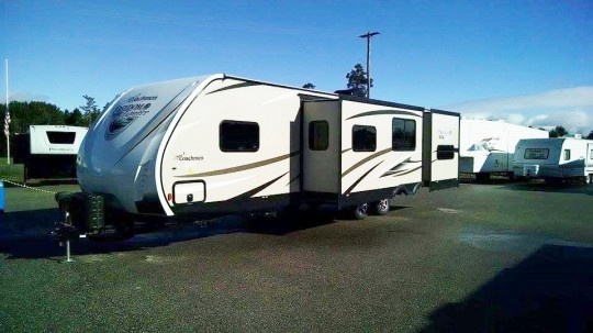 2014 Freedom Express FOREST RIVER COACHMEN 320BHDS/BUY DOWN A