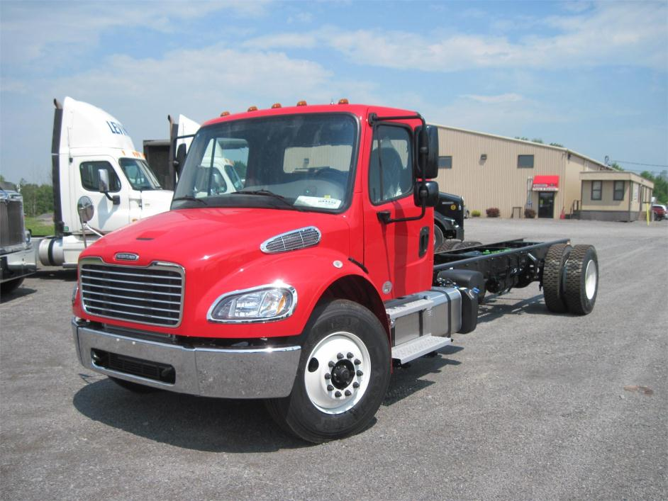 2016 Freightliner Business Class M2 106