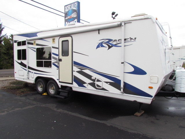 2006 28' RAGEN TOY HAULER 12' GARAGE 5500 ONAN FUEL STAION ON SALE NOW