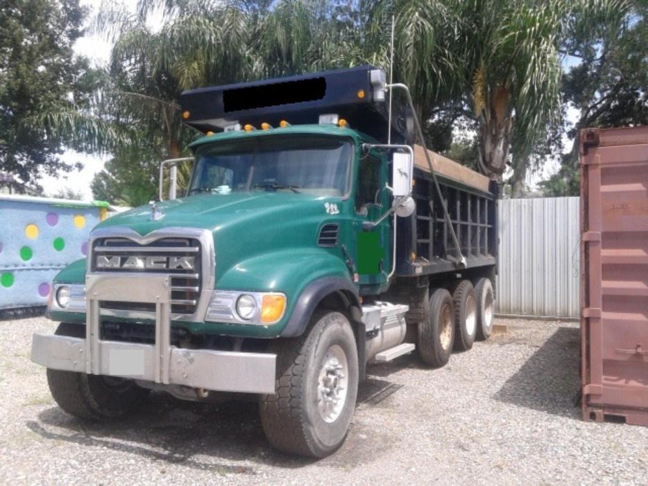 2004 Mack Granite Cv713