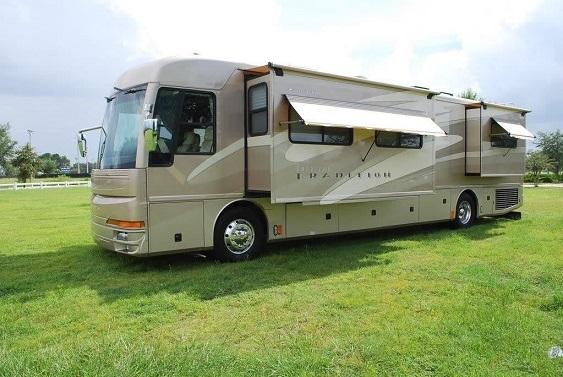 2005 American Coach 40 L