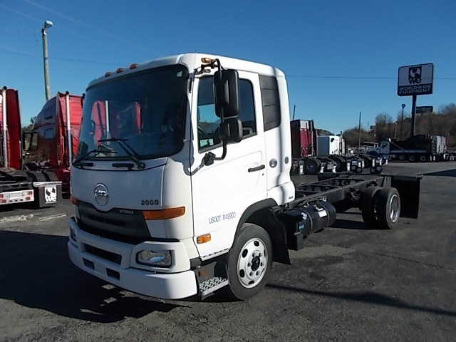 2011 Ud Trucks 2000