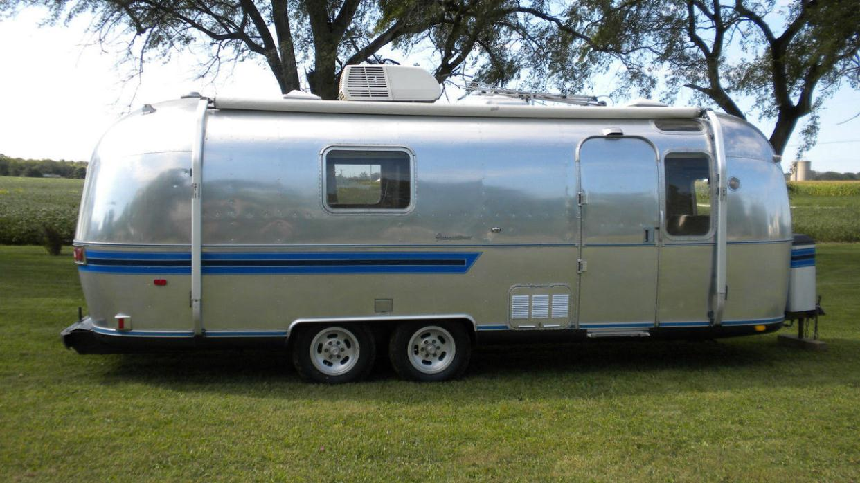 2012 Airstream Flying Cloud 27FB