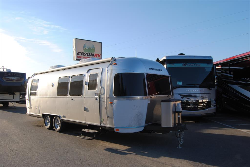2016 Airstream Flying Cloud 28 Twin