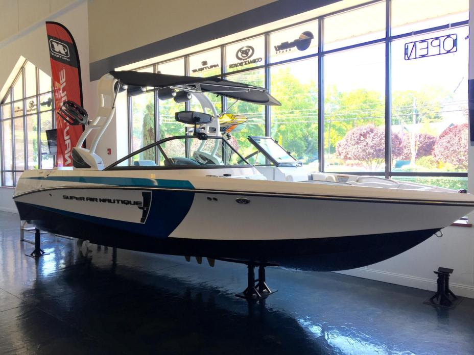 2016 Nautique Super Air 230