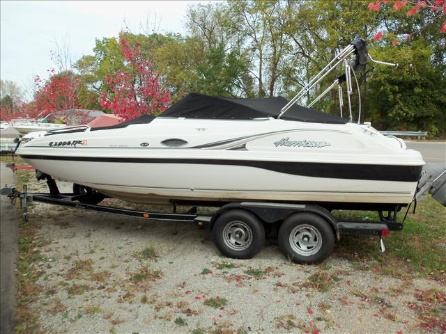 Hurricane 217 sundeck boats for sale in fenton michigan for Hurricane sundeck for sale