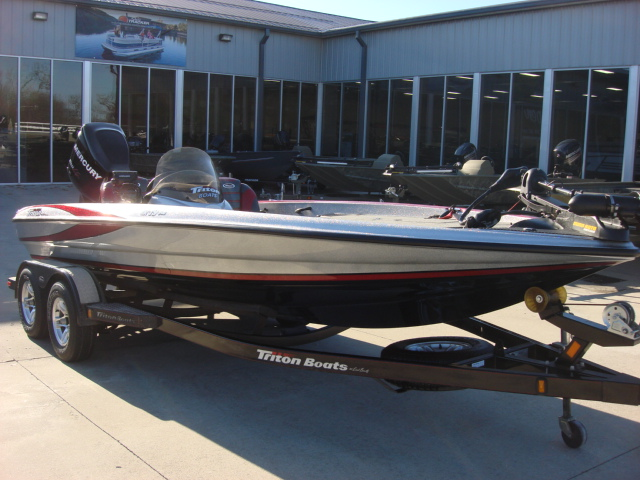 2010 Triton Tournament Bass Boats Tr-19