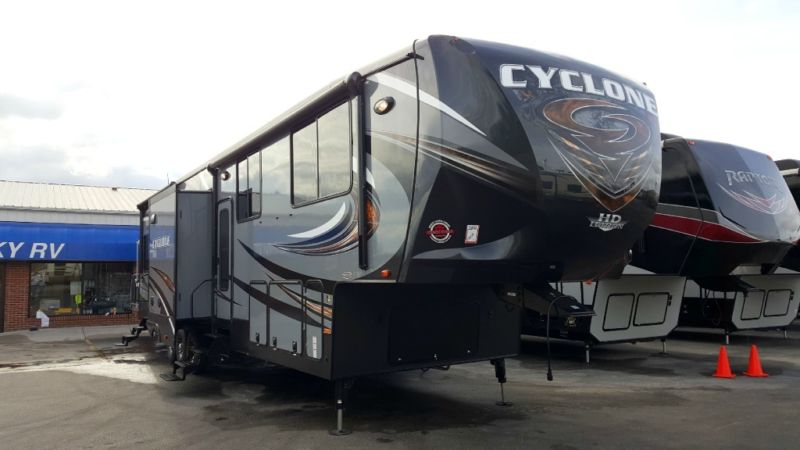 New 2016 Heartland Cyclone 4100 King with Lifetime Warranty