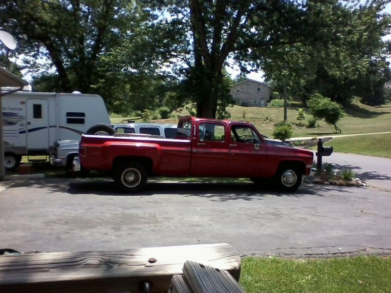 89 Chev 454/400 turbo 4 dr dually 126,700 miles lots of new parts