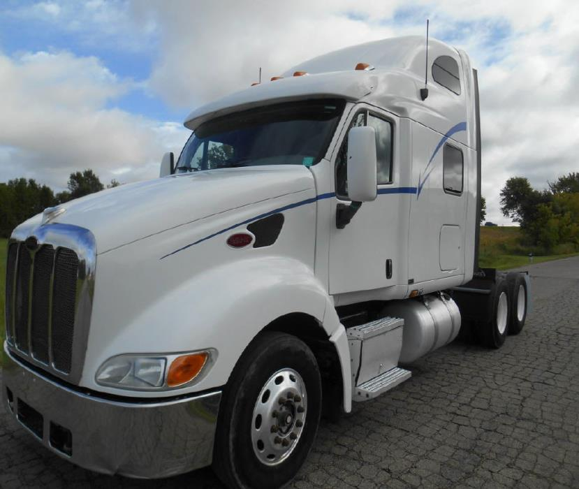 2006 Peterbilt 387 Conventional - Sleeper Truck