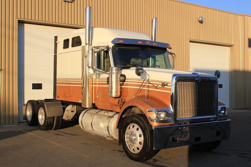 2007 International 9900i Eagle Conventional - Sleeper Truck