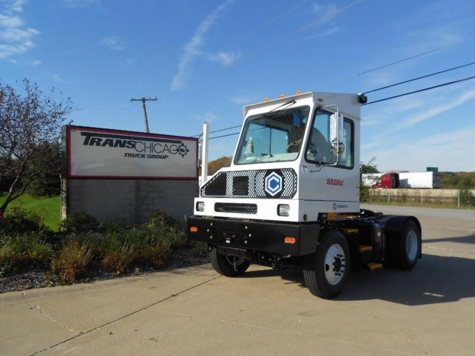 2016 Capacity Sabre5 Yard Spotter Truck