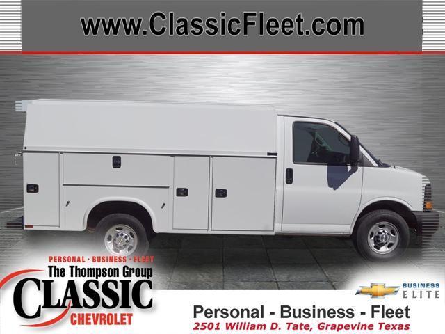 2017 Chevrolet Express Commercial Cutaway  Cutaway-Cube Van
