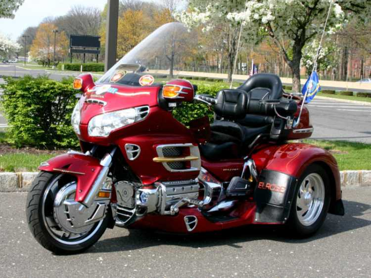 Motor trike honda gold wing gl1800 vehicles for sale Wing motors automobiles